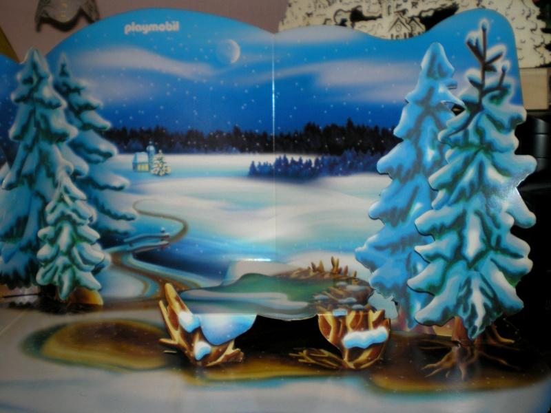Weihnachtswelt mit PLAYMOBIL-Figuren und -Zubehör 001b2c10