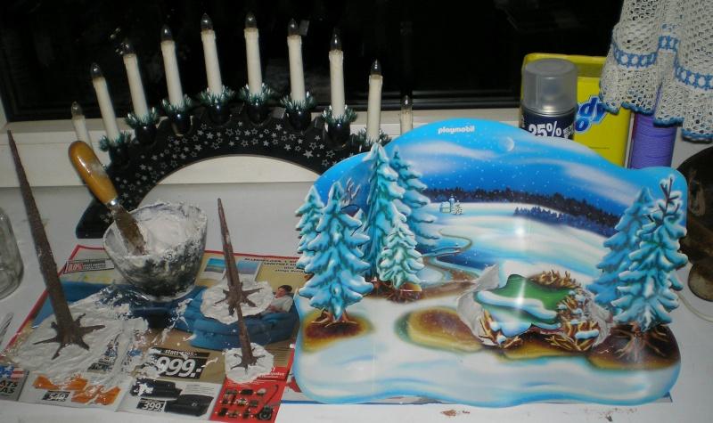 Weihnachtswelt mit PLAYMOBIL-Figuren und -Zubehör 001c3c10