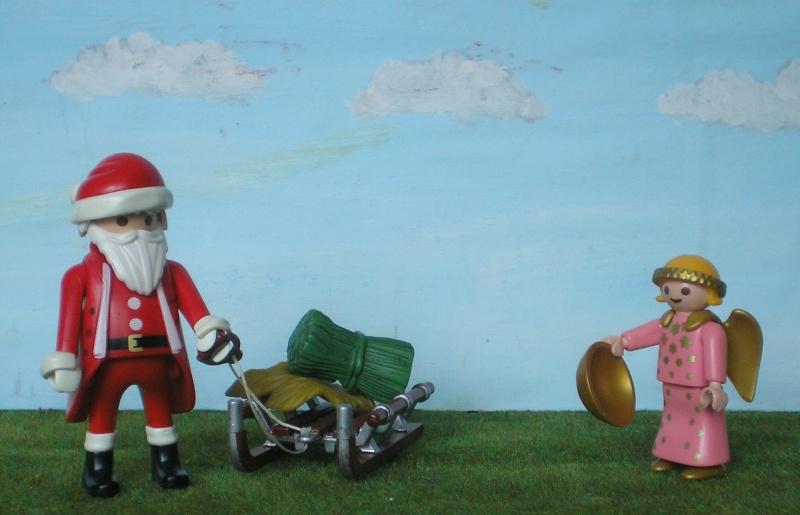 Weihnachtswelt mit PLAYMOBIL-Figuren und -Zubehör 001d3_11