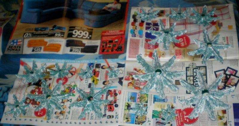 Weihnachtswelt mit PLAYMOBIL-Figuren und -Zubehör 002c1_11