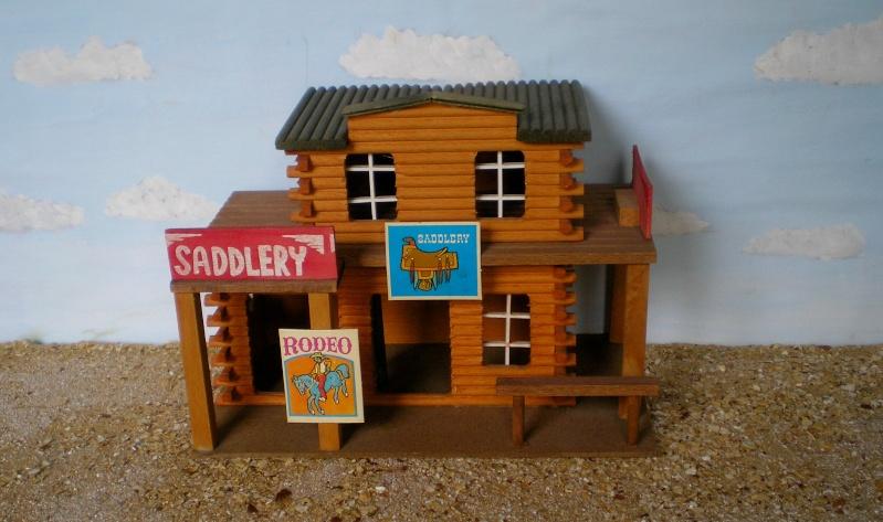 Wildwest-Gebäude aus Holz für Figuren von 54 bis 70 mm Elasto38