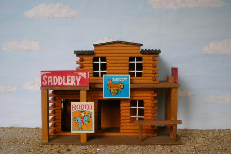 Wildwest-Gebäude aus Holz für Figuren von 54 bis 70 mm Elasto39
