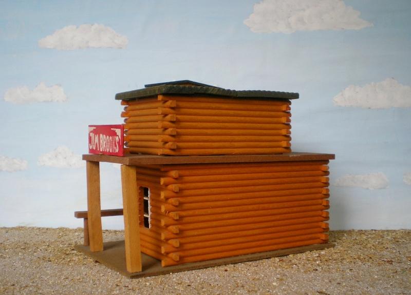 Wildwest-Gebäude aus Holz für Figuren von 54 bis 70 mm Elasto42