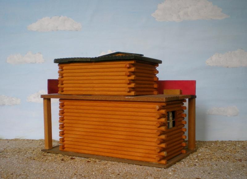 Wildwest-Gebäude aus Holz für Figuren von 54 bis 70 mm Elasto44