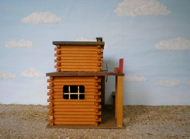 Wildwest-Gebäude aus Holz für Figuren von 54 bis 70 mm Elasto45