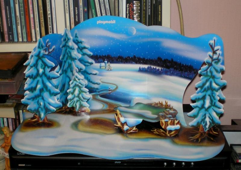 Weihnachtswelt mit PLAYMOBIL-Figuren und -Zubehör Pm_41614