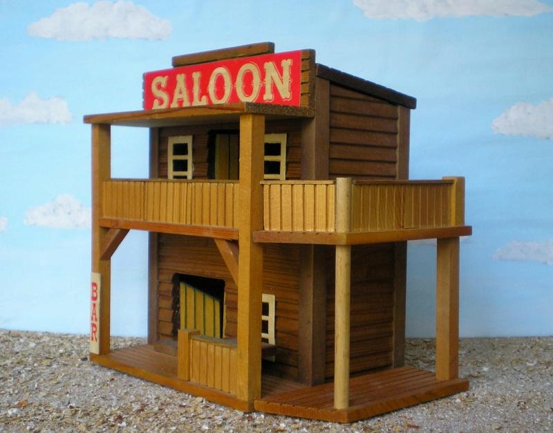 Wildwest-Gebäude aus Holz für Figuren von 54 bis 70 mm Vero_s12