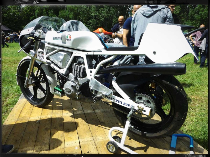 Un cadre blanc pour le/les Chefs  - Page 3 Ducati10