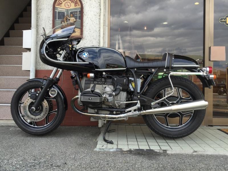 C'est ici qu'on met les bien molles....BMW Café Racer - Page 37 Img_4911