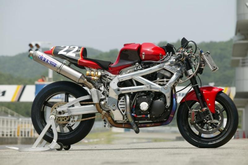 Big Twin Racer par Over Racing  Ov23xv10