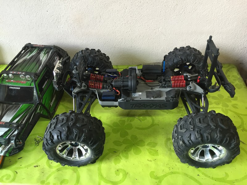 Mon nouveau jouet : Traxxas Summit 1/8 - réglé et prêt à rouler - Page 8 Hst_su10