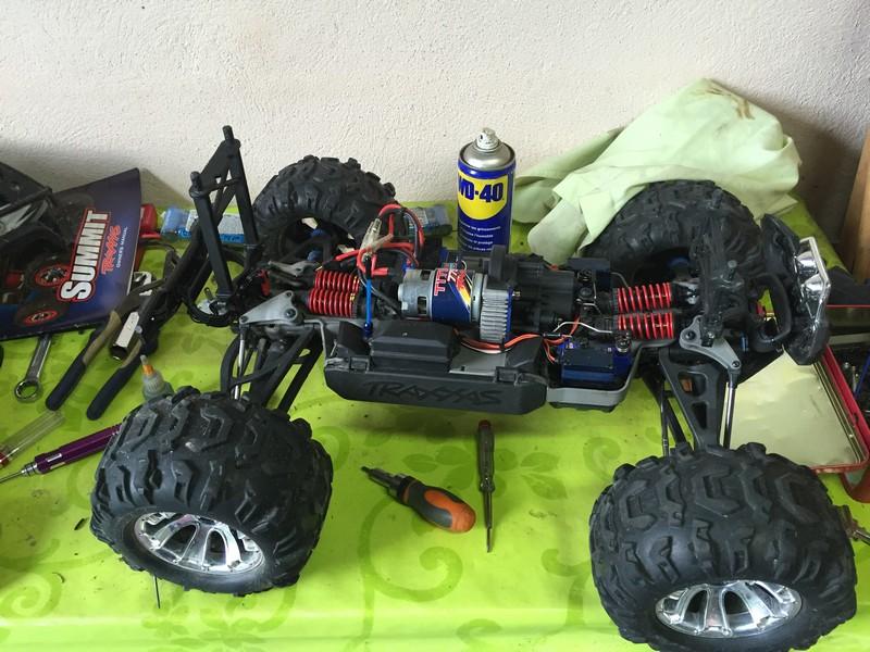 Mon nouveau jouet : Traxxas Summit 1/8 - réglé et prêt à rouler - Page 8 Hst_su11