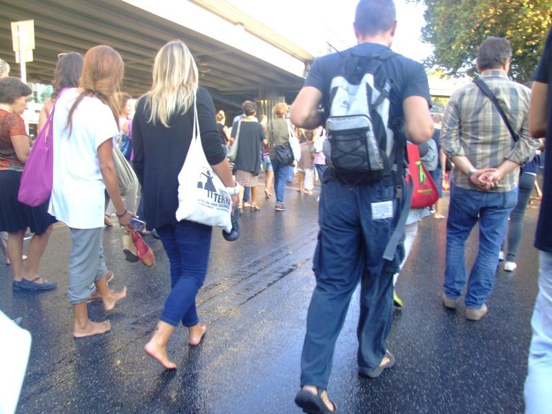 La marcia delle donne e degli uomini scalzi - Pagina 2 Dscf5610