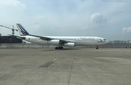 Visite d'Etat de François Hollande en Chine : arrivée de la première délégation à Chongqing Df110