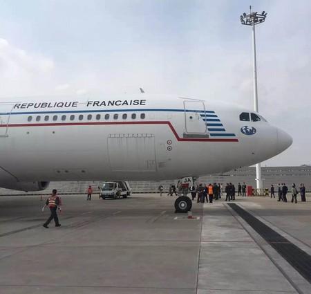 Visite d'Etat de François Hollande en Chine : arrivée de la première délégation à Chongqing Df210