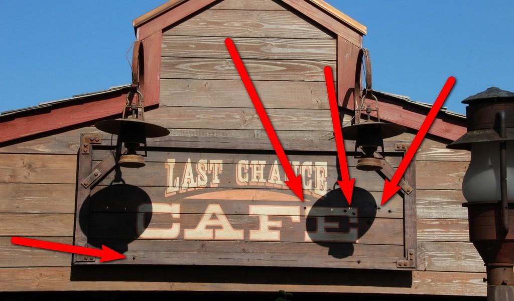 Curiosità e piccoli segreti al Disneyland park - Pagina 3 Img43811