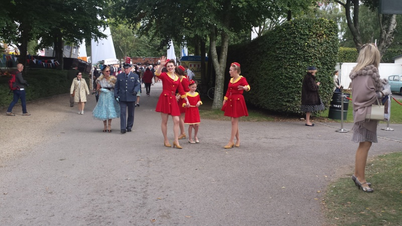 Goodwood Revival 2015 - Page 2 20150944