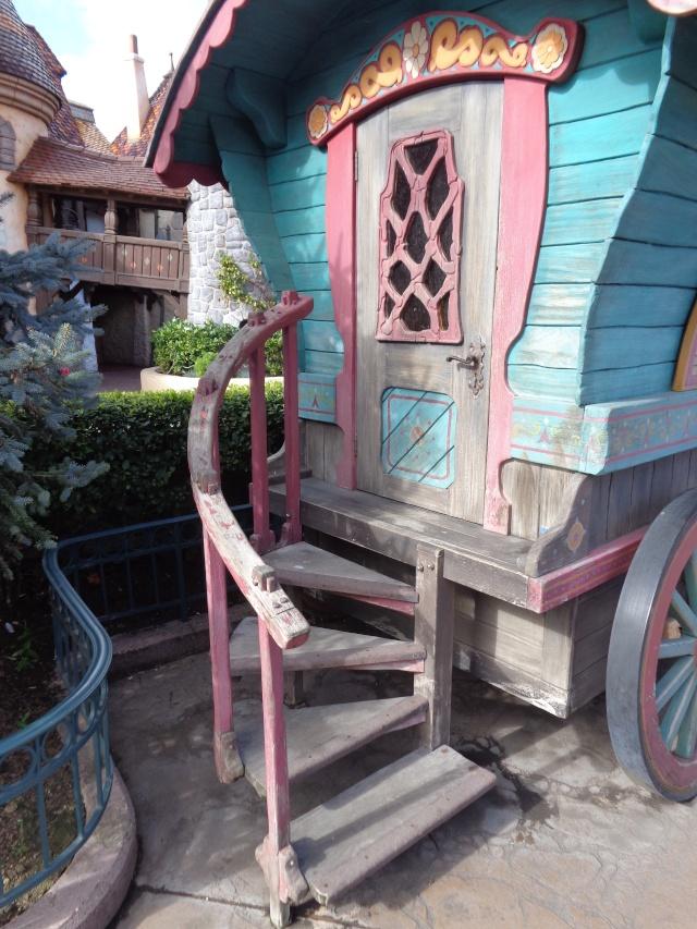 Connaissez vous bien Disneyland Paris? - Page 6 Dsc01519