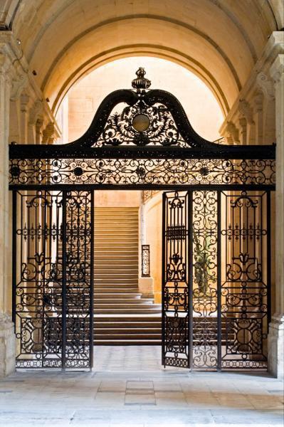 La Maison d'Education de la Légion d'Honneur à Saint-Denis (dans l'ancienne abbaye)  Legion10