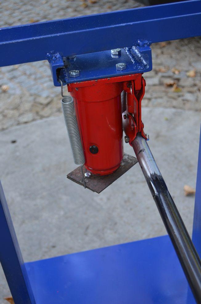 Petit pressoir hydraulique Preeso12