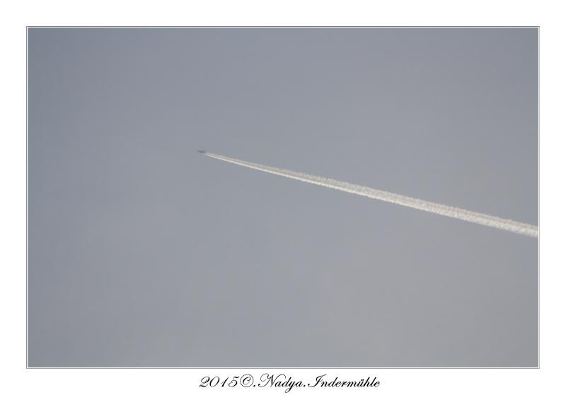 Les traînées d'avion, contrail  Cadrer47
