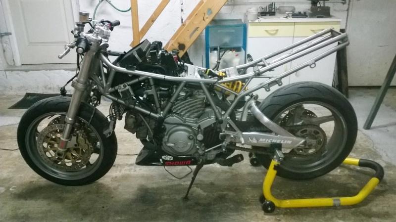800 VN - Custom racer de Baz - Page 11 Wp_20124