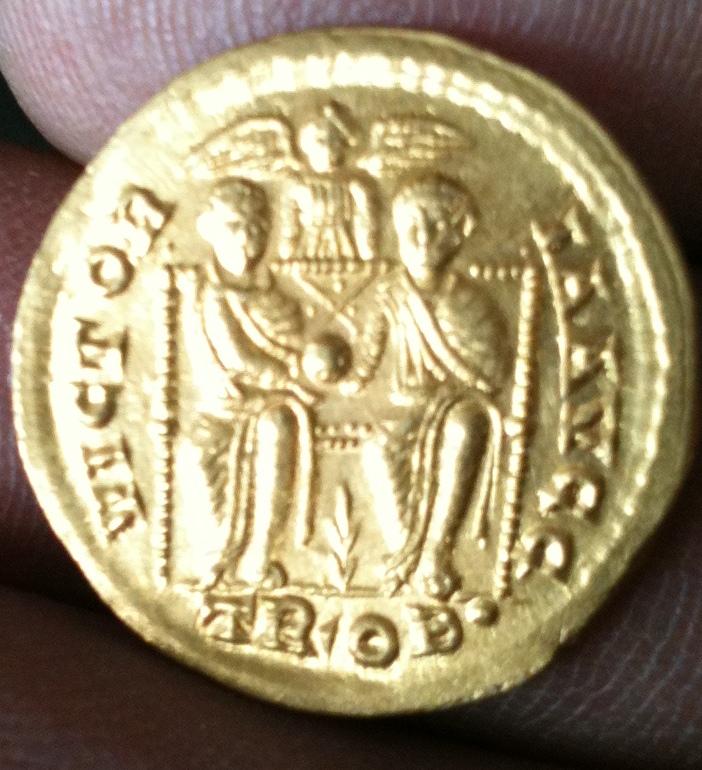 Une petite Gratianus de Treve  Gratia11