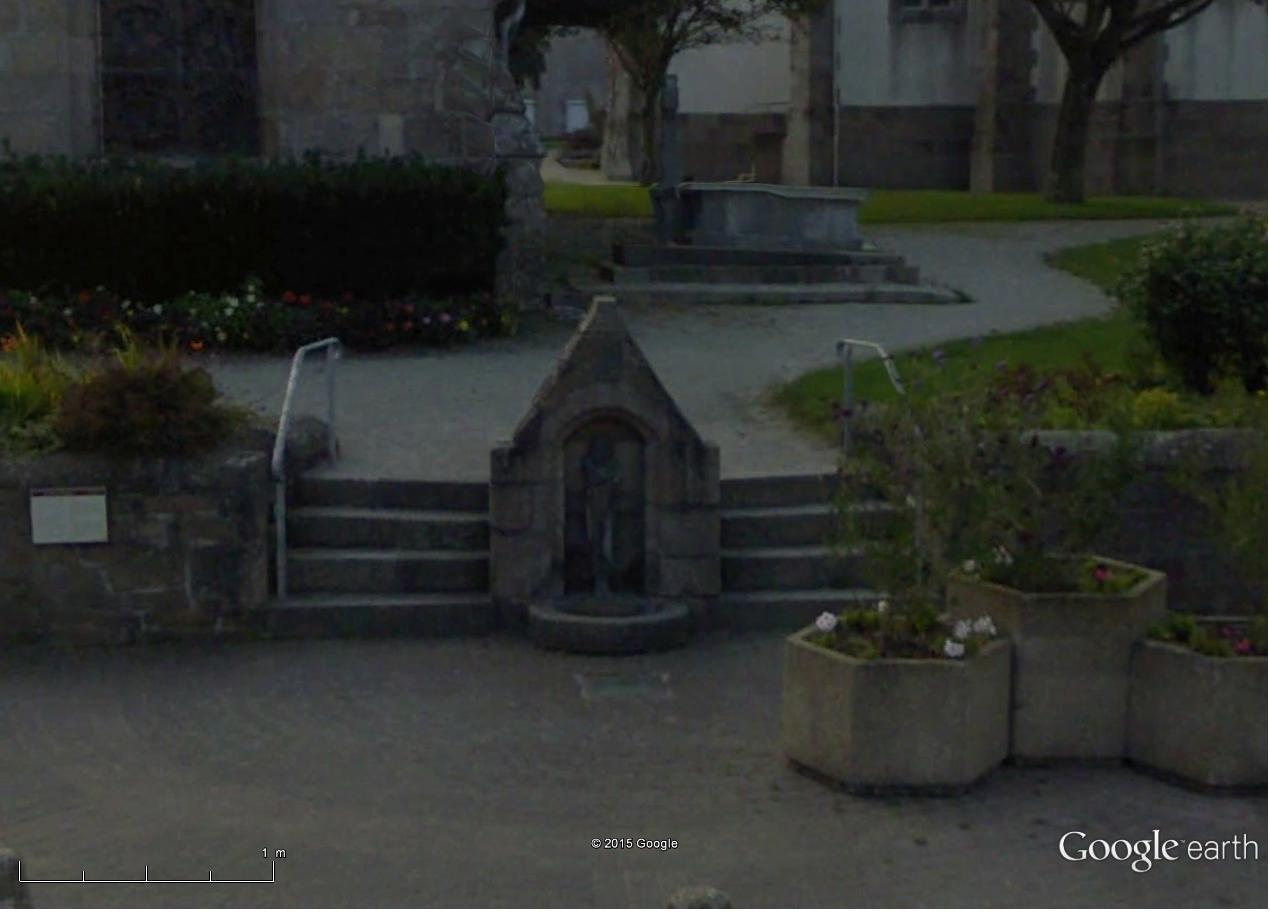 STREET VIEW : les sculptures - Page 3 Seins_10