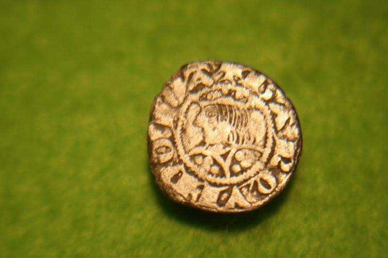 Monnaie feodale à id svp. Img_9210