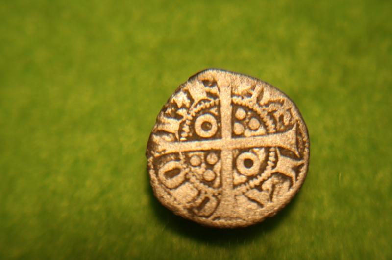 Monnaie feodale à id svp. Img_9211