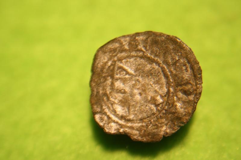 Monnaie feodale pour id. Img_9412