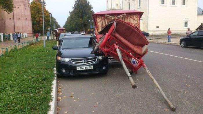 Accidents difficilement explicables aux assureurs... Wtf_ha10