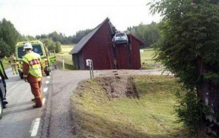 Accidents difficilement explicables aux assureurs... Wtf_ha20