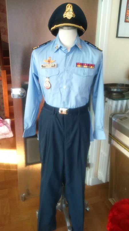 uniformes cambodgiens  - Page 2 Ok_110