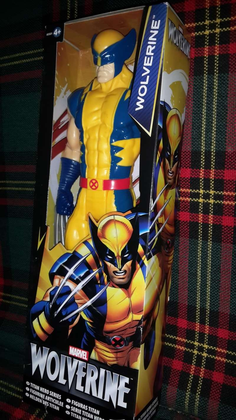 HASBRO TITAN HERO 20150510