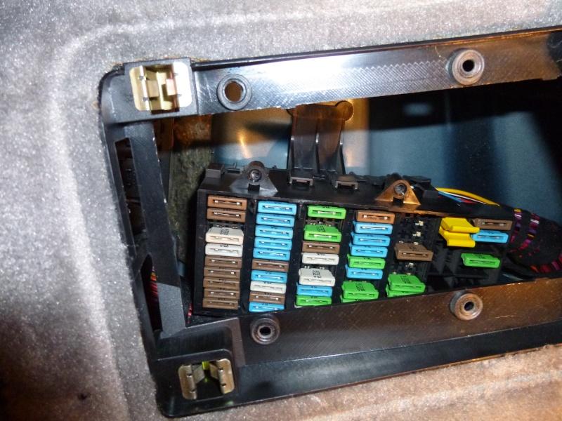 HELP !!!! Impossible d'ouvrir le capot avant  P1000323