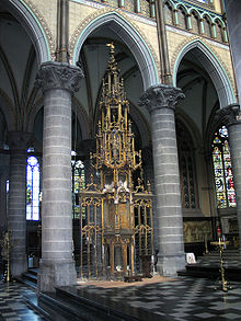 L'Adoration Eucharistique Un_exe10
