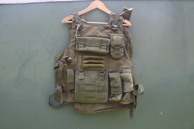 2 rare idf  vest Vests_10