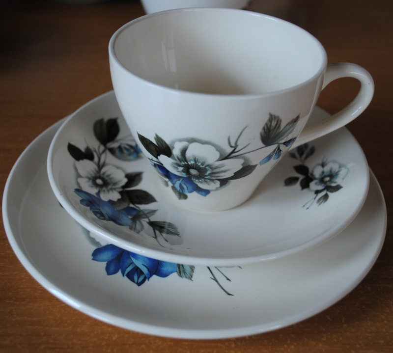 Kelston Potteries May Rose - Pattern number 985 05610