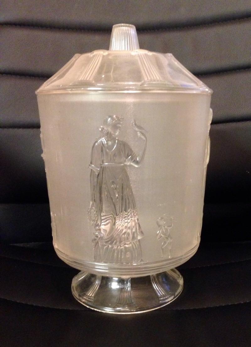 Aegaline USA plastic biscuit jar Image43