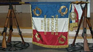 Le drapeau des CPA à l'Arc de triomphe ce matin Drapea11