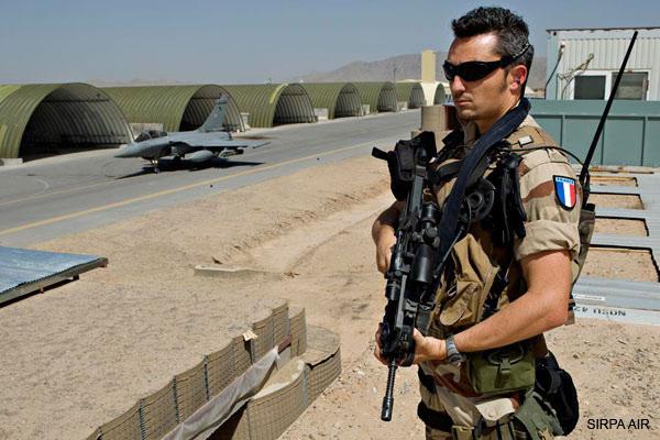 Des fusiliers de l'Air manquent pour assurer la protection des Bases . Fusco-10