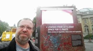 [Exposition] L'espace pour le climat - avec le Cube du Climat de l'ESA et du CNES / Champs-Elysées Paris jusqu'au 27 octobre  20151014