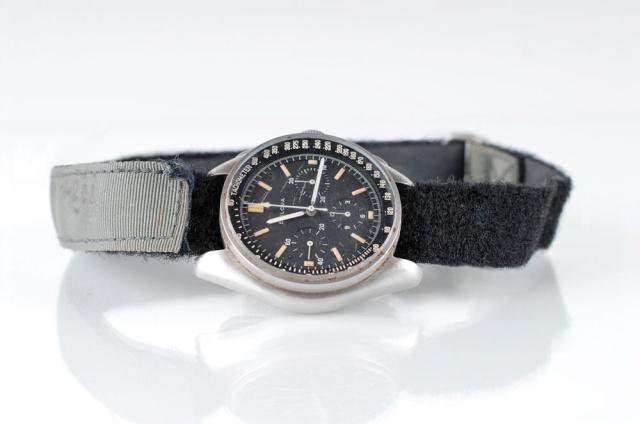 Record d'enchères pour une montre ayant été sur la Lune lors de la mission Apollo 15 - 22 octobre 2015 News-010