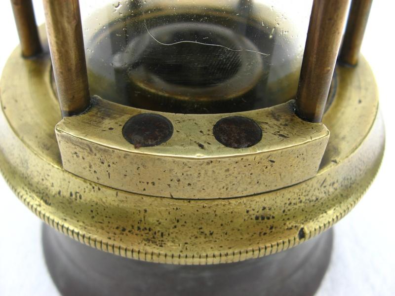 lampes de mineurs,  divers objets de mine, outils de mineur et documents  - Page 2 03210