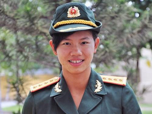 Nữ thượng úy trẻ nhất QĐND Việt Nam Vien_k10