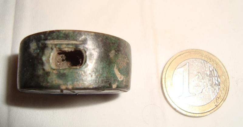 Résolu : Objet bronze médiéval peu commun àidentifier : Pommeau XIIIème A310
