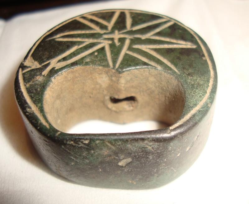 Résolu : Objet bronze médiéval peu commun àidentifier : Pommeau XIIIème A410