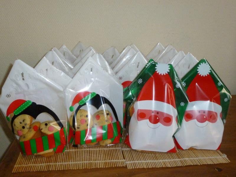 DELICIEUX CUPCAKES AUX PEPITES DE CHOCOLAT EN VENTE POUR L ASSO P1020318