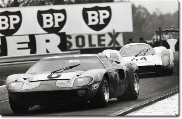 La FORD GT 40  Ford_g10